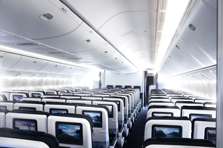 zip-world-compagnie-aerienne-Air-New-Zealand-6-economy-cabin-777-300