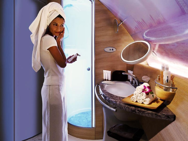 zip-world-compagnie-aerienne-3-Emirates-Private-suite-douche-2
